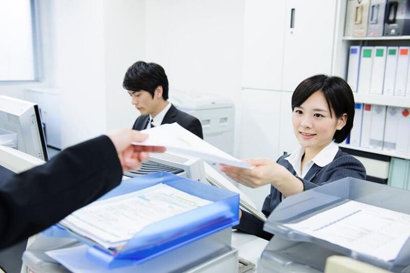 登録販売者販売従事登録で必要な書類とは
