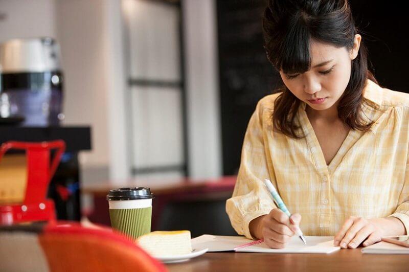 【登録販売者試験】おすすめ勉強法とは?準備期間や覚え方のコツを解説!
