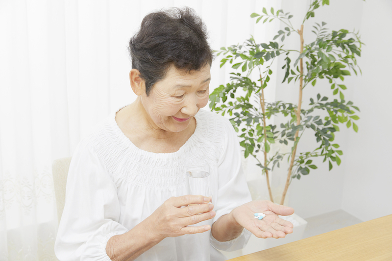 【薬剤師監修】高齢者への医薬品販売の注意点とは?登録販売者が押さえておくべきポイント